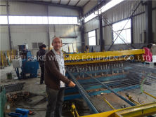 Install automatic wire mesh welding machine in Sudan