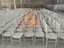 Professional Wooden Chiavari Chair Chinese Factory