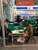 The customer is discuss project on121 Canton Fair