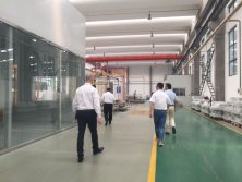 Customers′ Visiting to Factory