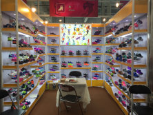The 121 canton fair booth for children sports shoes