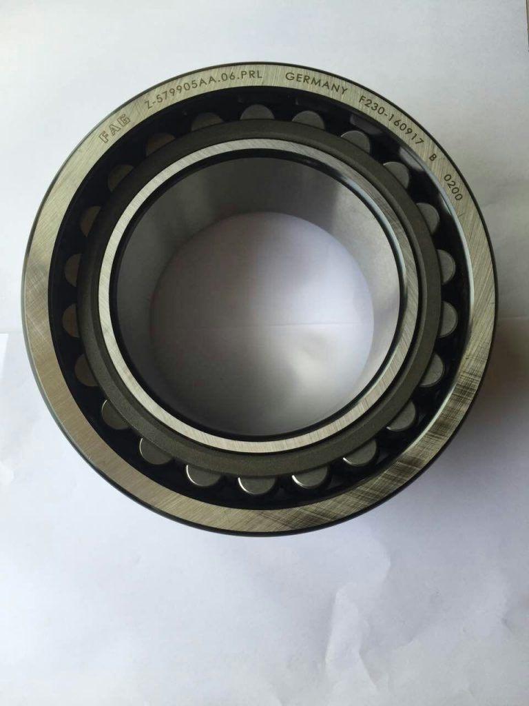 Spherical Roller Bearing Kdm Z-579905AA Bearing Size 110X180X69/82