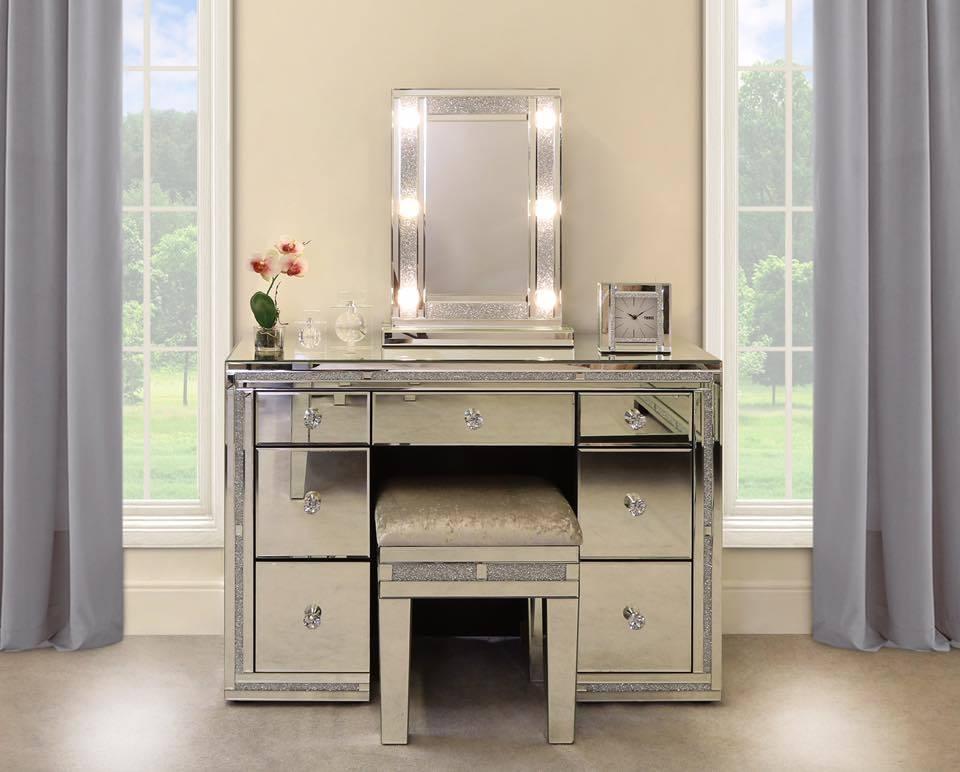 China Bedroom Furniture Crush Diamond Makeup Table Vanity Console
