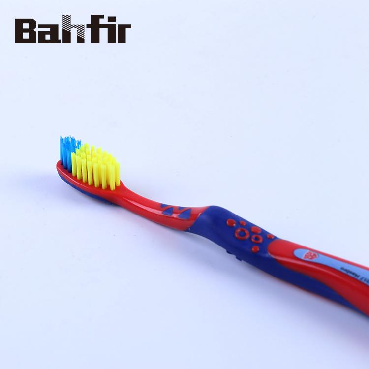 الصين لطيف تصميم طفل فرشاة الأسنان مقبض الدهون الكرتون شكل مطبوعة أطفال الأسنان بالفرشاة فرشاة الأسنان بالجملة على Topchinasupplier Com