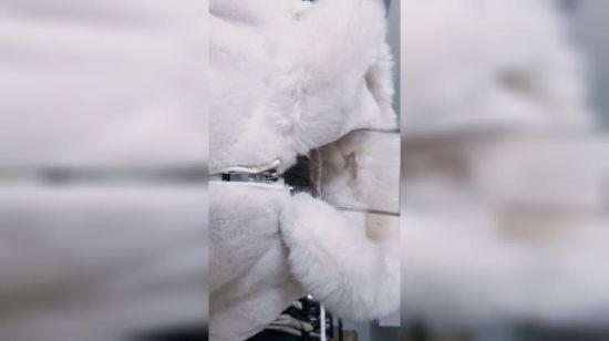 China Dame gefälschter Pelz langer Hauben Mantel – Kaufen