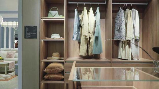 Disegno Walk-in del guardaroba dell\'armadio della camera da letto del grano  di legno di lusso moderno (YG16-M08)