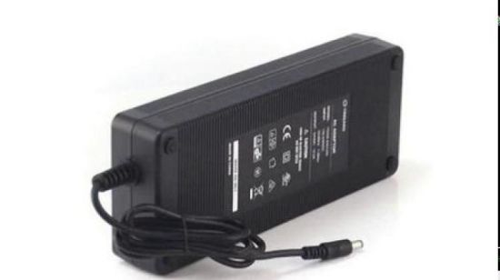 Yingjiao 24V 300W Adapter des Laptop-230V 50Hz 12V