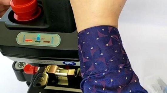 China Automatic Csh008 Key Duplicating Cutting Machine