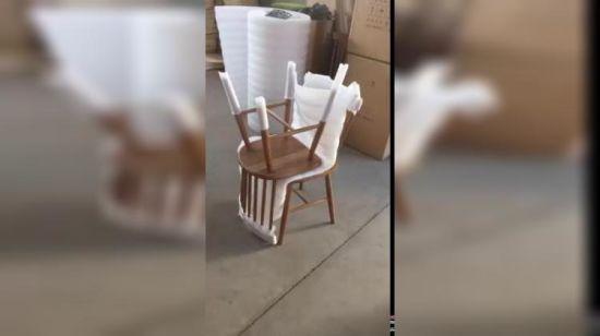 Tabla de madera maciza con sillas Comedor colores/juego de mesa de comedor  2019