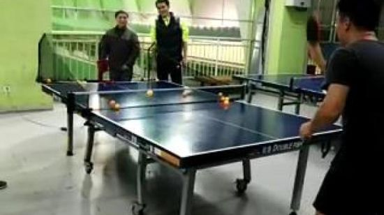 China Remote Control Table Tennis Machine Ping Pong Robot