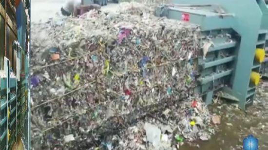 China Hellobaler Closed Door Baling Machine for shredder