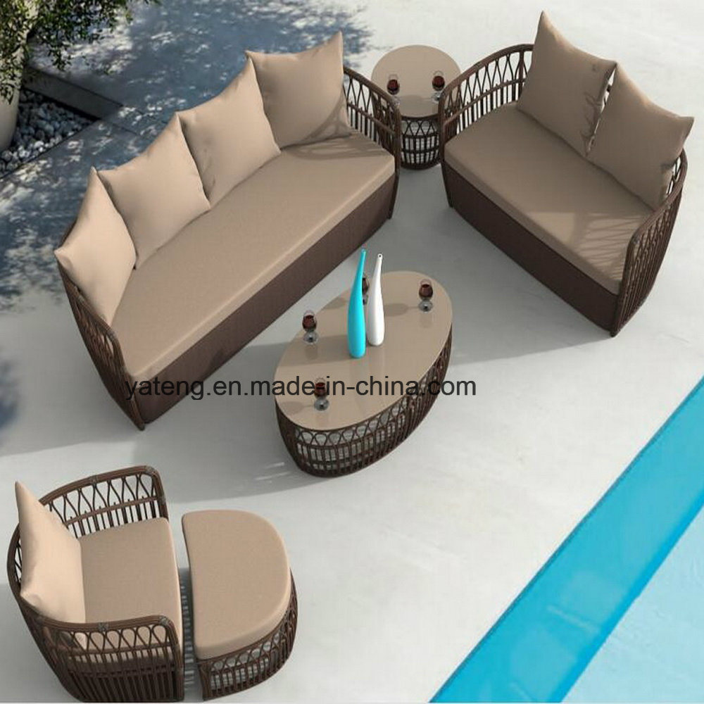 New Design Outdoor Rattan Patio Furniture with Ottoman & Side Table (YT1055)