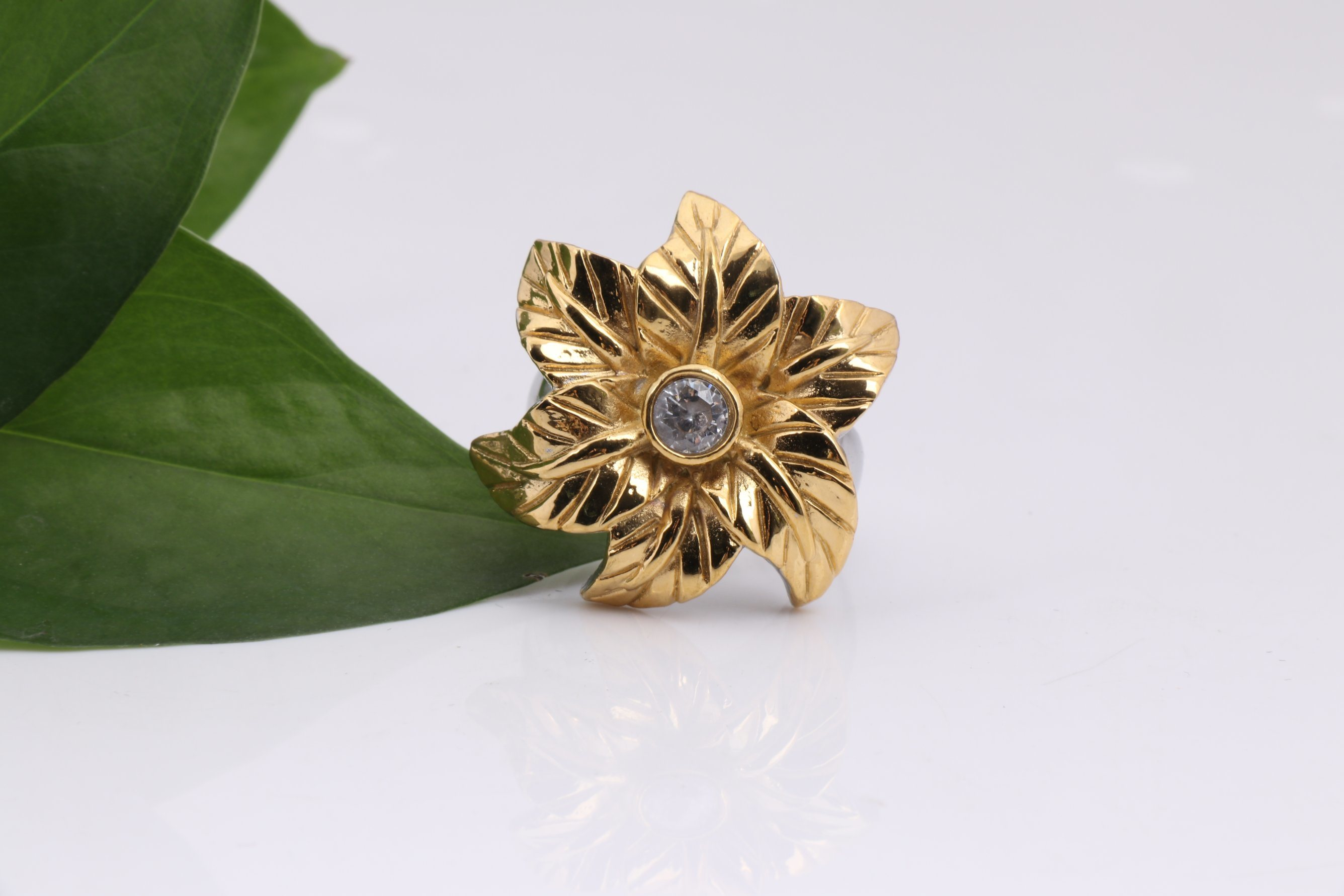 Stainless Steel Fashion Flower Gold Rings for Women