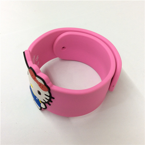 Eco-Friendly Cute Slap Silicone Customizable Wristband pictures & photos
