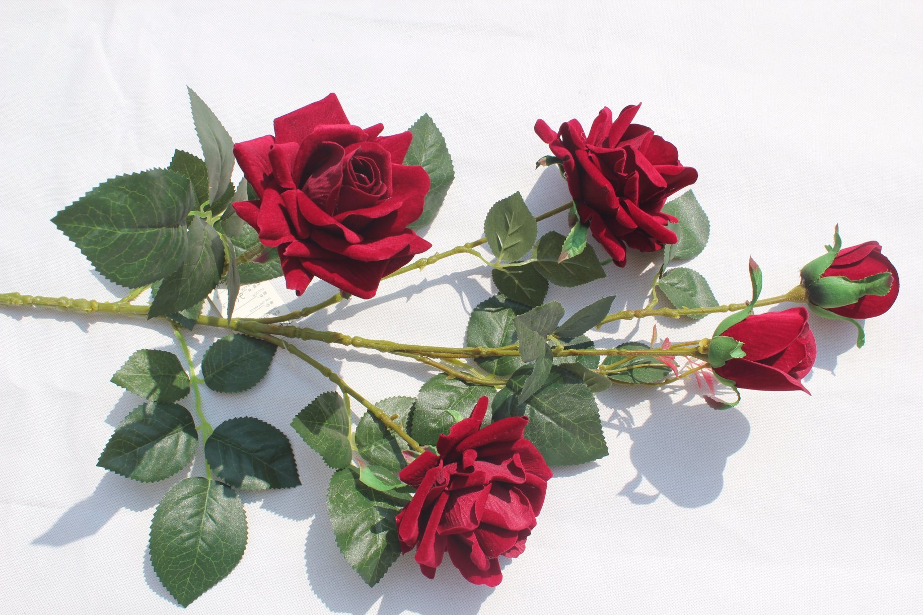 China Real Touch Silk Red Artificial Rose Flowers Wedding Decoration