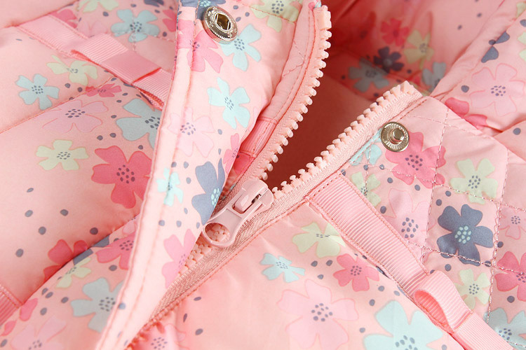 Fashion Girl Kids Padded Outerwear for Children′s Clothing pictures & photos