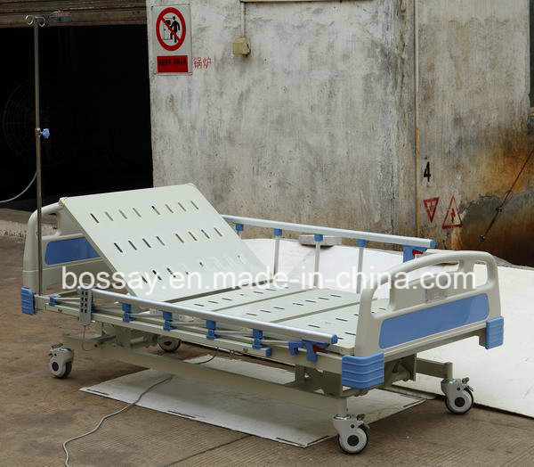 Hot Sale Good Quality 3 Functions Electric Hospital Bed pictures & photos