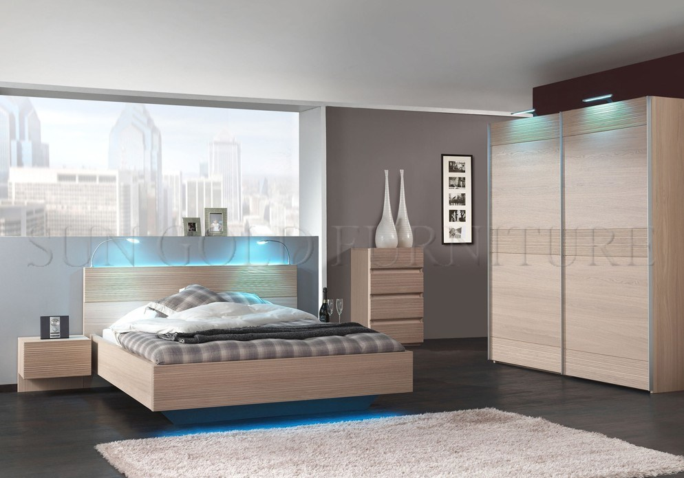 China King Size White Bedroom Set In High Gloss Bedroom Furniture Bed Sz Bf035 Photos Pictures Made In China Com