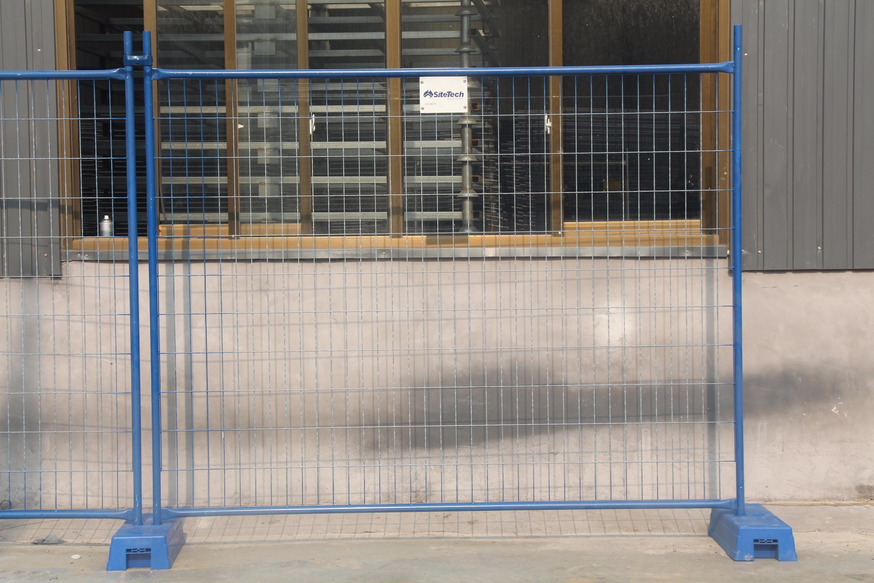 China 2.1X2.4m Construction Site Temporary Fence / Steel Welded Wire ...