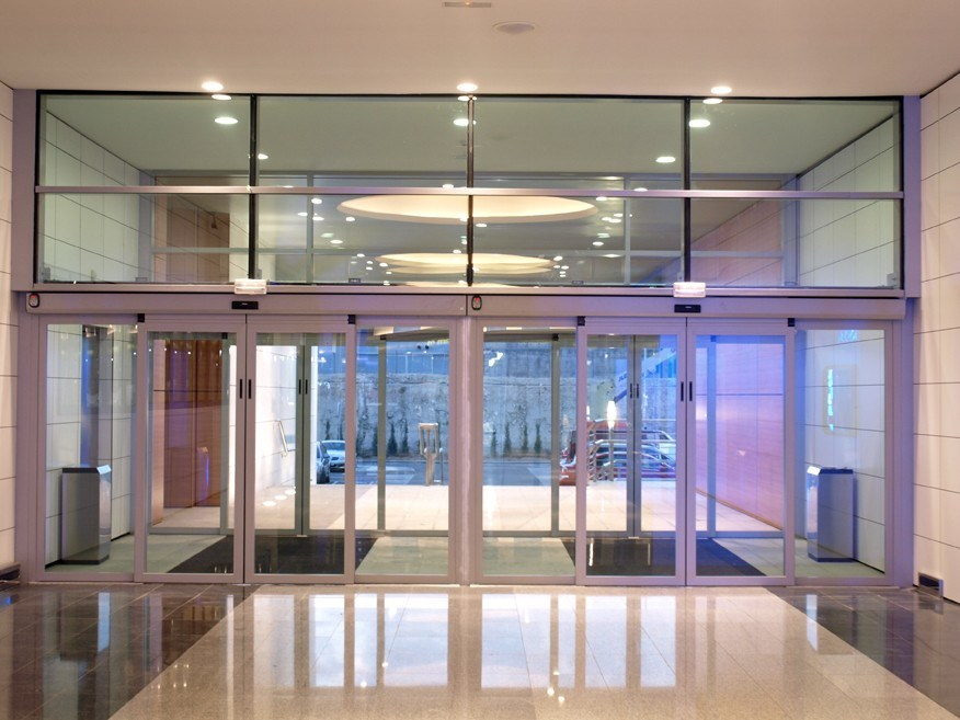 China Clear Or Etched Tempered Glass Door For Shop Front Partition