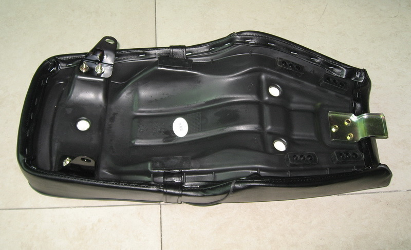 Motorcycle Parts Motorcycle Seat for Suzuki Gn125 Gn125h pictures & photos