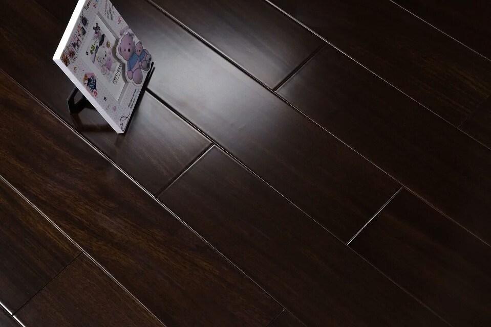 China Flat Matt African Walnut Wood Flooring Solid Floor
