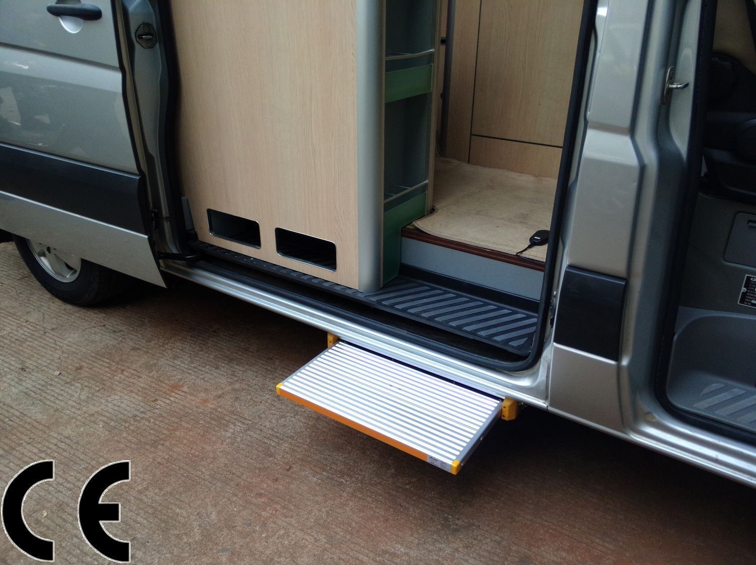 Electric Bus Foot Step Electric Sliding Step pictures & photos