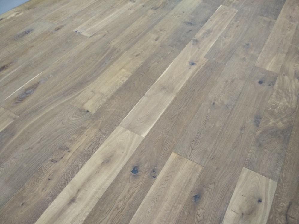 China Brushed Oak Parquet Hardwood Floor Engineered Wood Flooring