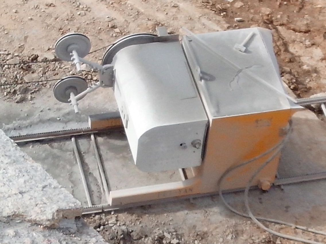 China Diamond Wire Saw Machine for Stone/Granite - China Diamond ...