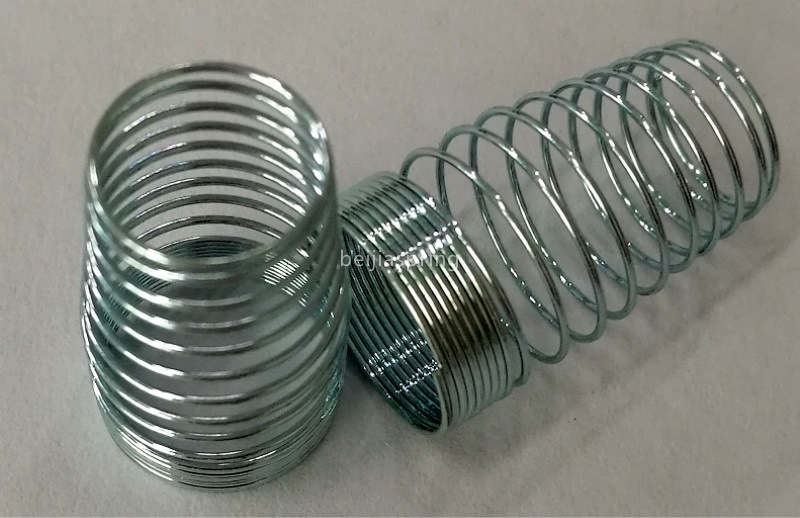 China Factory Supply Stainless Steel Compression Spring Small Precise Spring pictures & photos