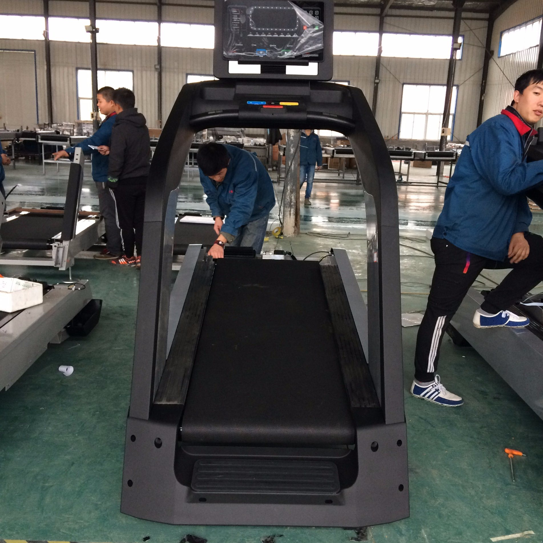 Tianzhan Gym Equipment New Design Treadmill/Touch Screen Treadmill pictures & photos