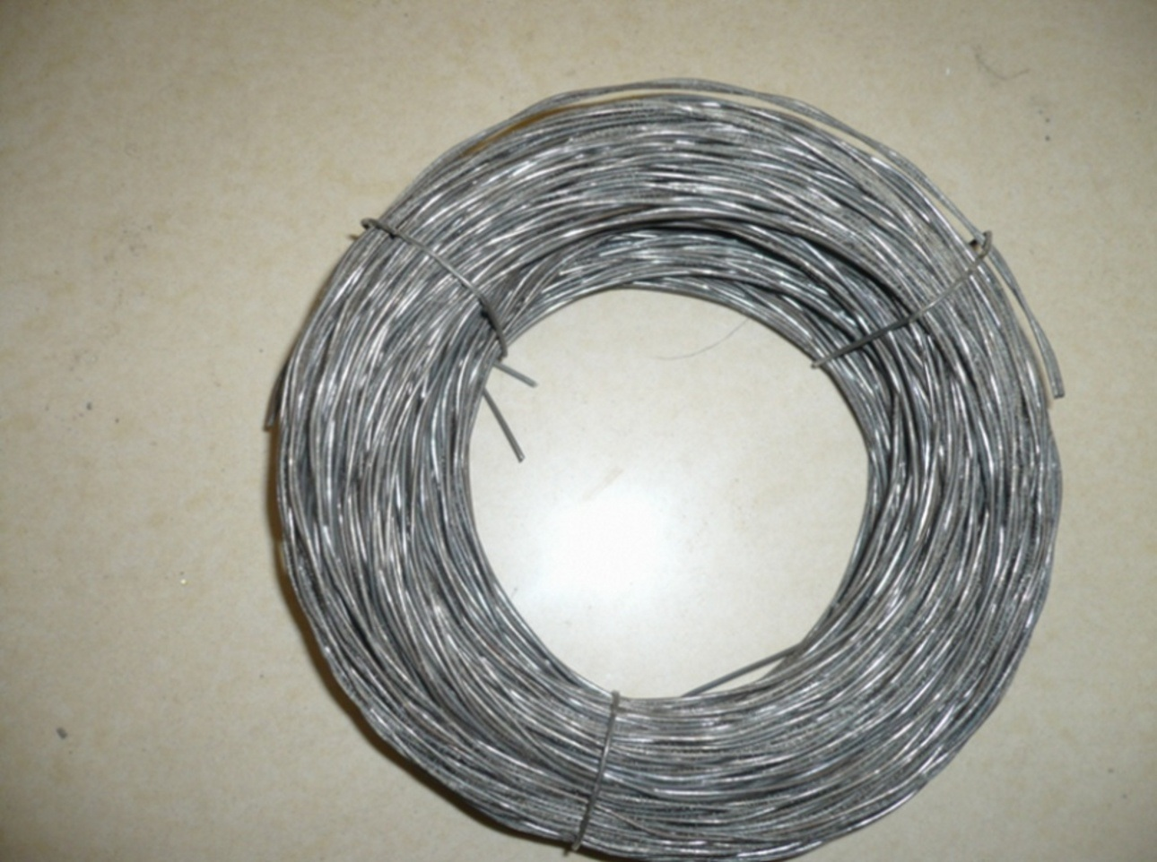 China Black Twisted Wire Photos & Pictures - Made-in-china.com