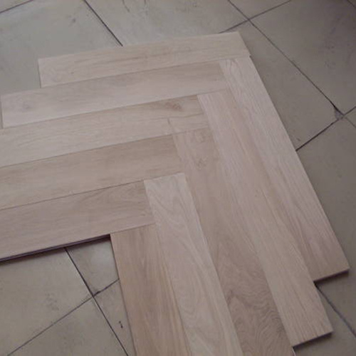 Herringbone Parquet Engineered Oak Wood Flooring