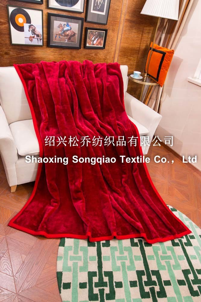 Plain Acrylic Blanket / Raschel Blanket - Red pictures & photos