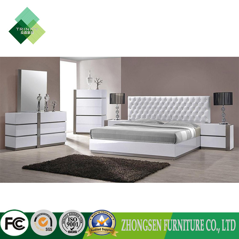 [Hot Item] Customization Contemporary Italian Style King Bedroom Furniture  in White and Sliver High Gloss Lacquer with Oak Wood