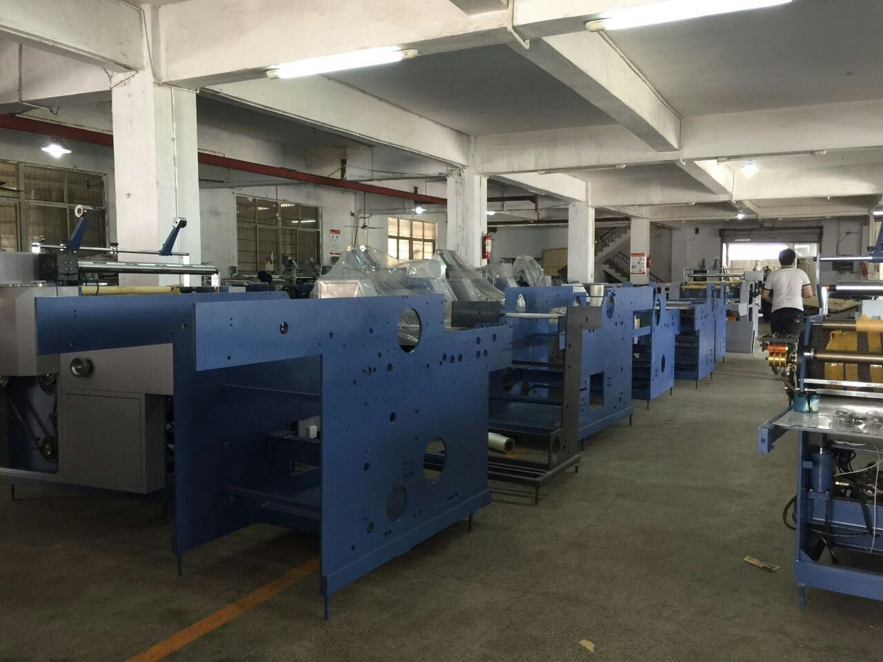 Wenzhou Fully Automatic Laminator Yfma-920A/1050A for Paper, Big Fully Automatic Laminator with Electromagnetic Heating System pictures & photos