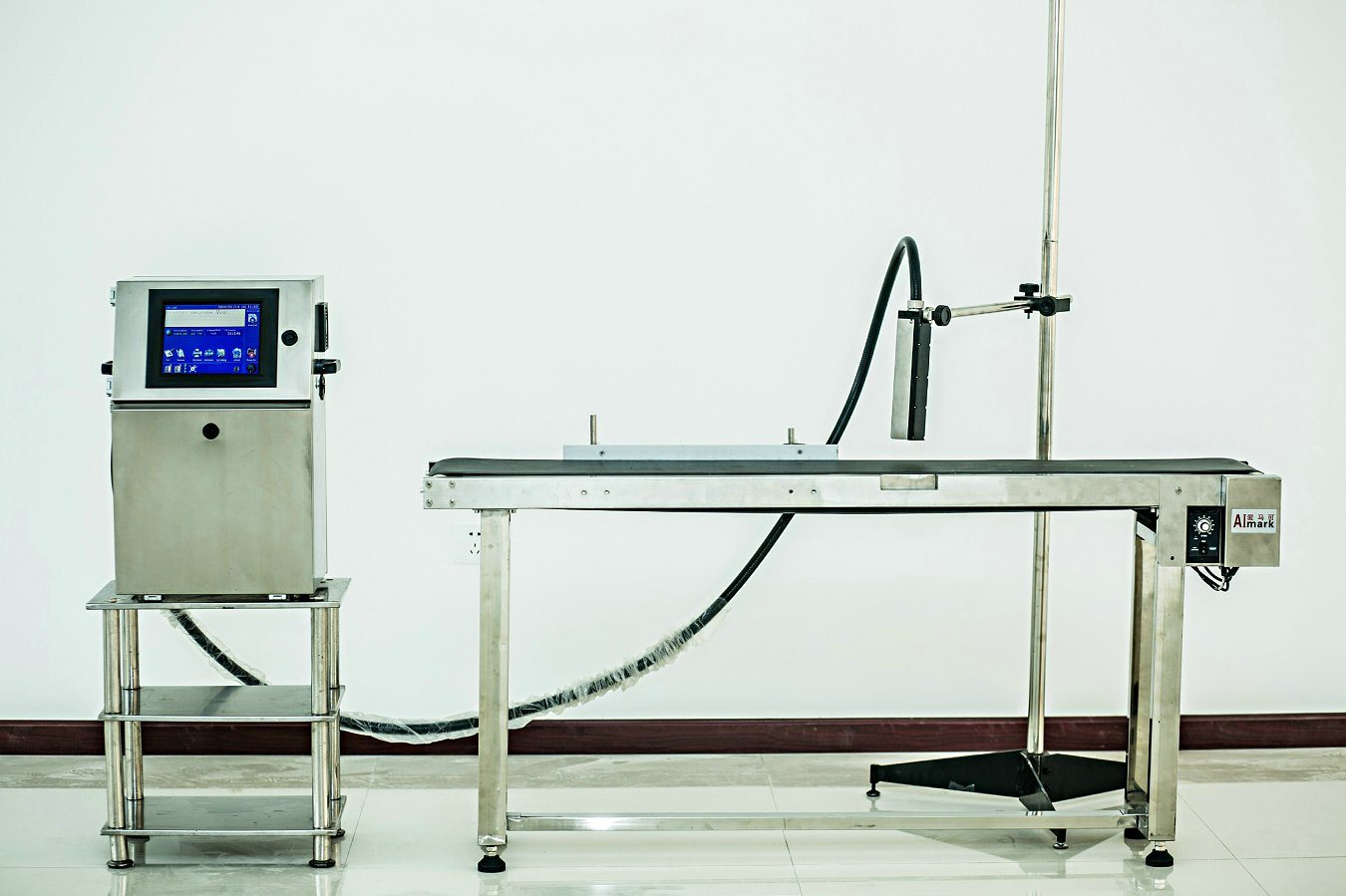China Inkjet Coding and Stamping Machine for Plastic Bottle Printer pictures & photos