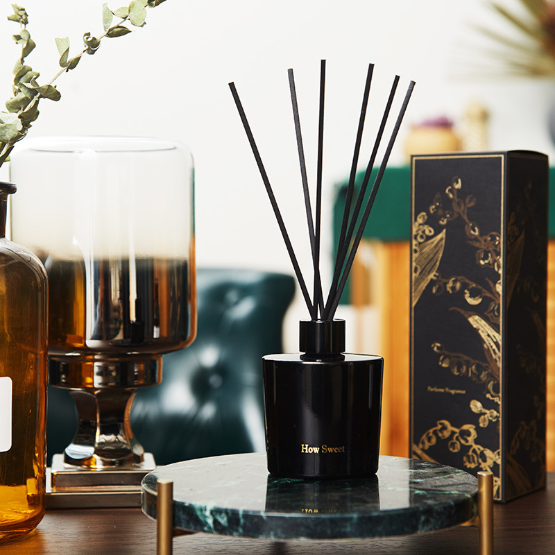 Hot Item 100 Ml Fragranced Reed Diffuser With Rattan Sticks In Gift Box For Home Decoration