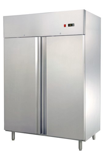 CE Approved High Quality Gn Upright Fridge (GN650C1) pictures & photos