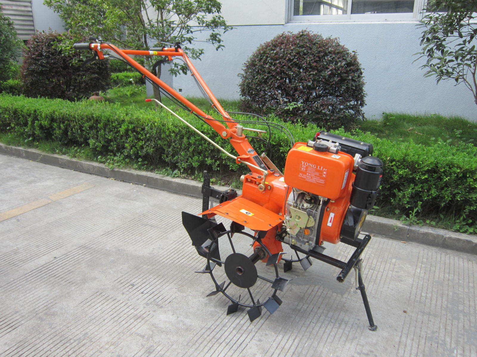 garden rear sold tine rototiller june snapper auction item sale tiller for