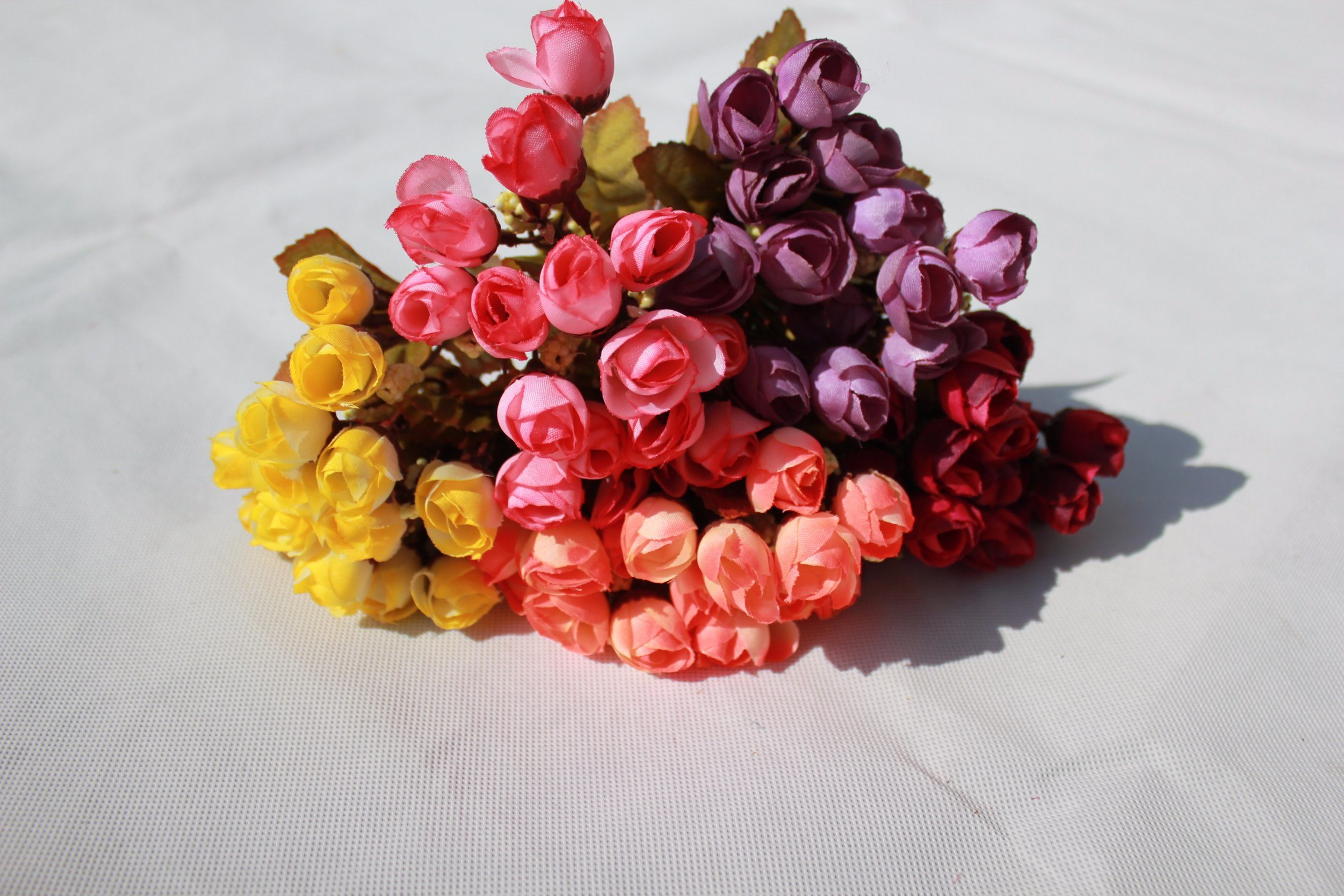 China Cheap Artificial Rose Bud Flowers Fake Flowers For Home