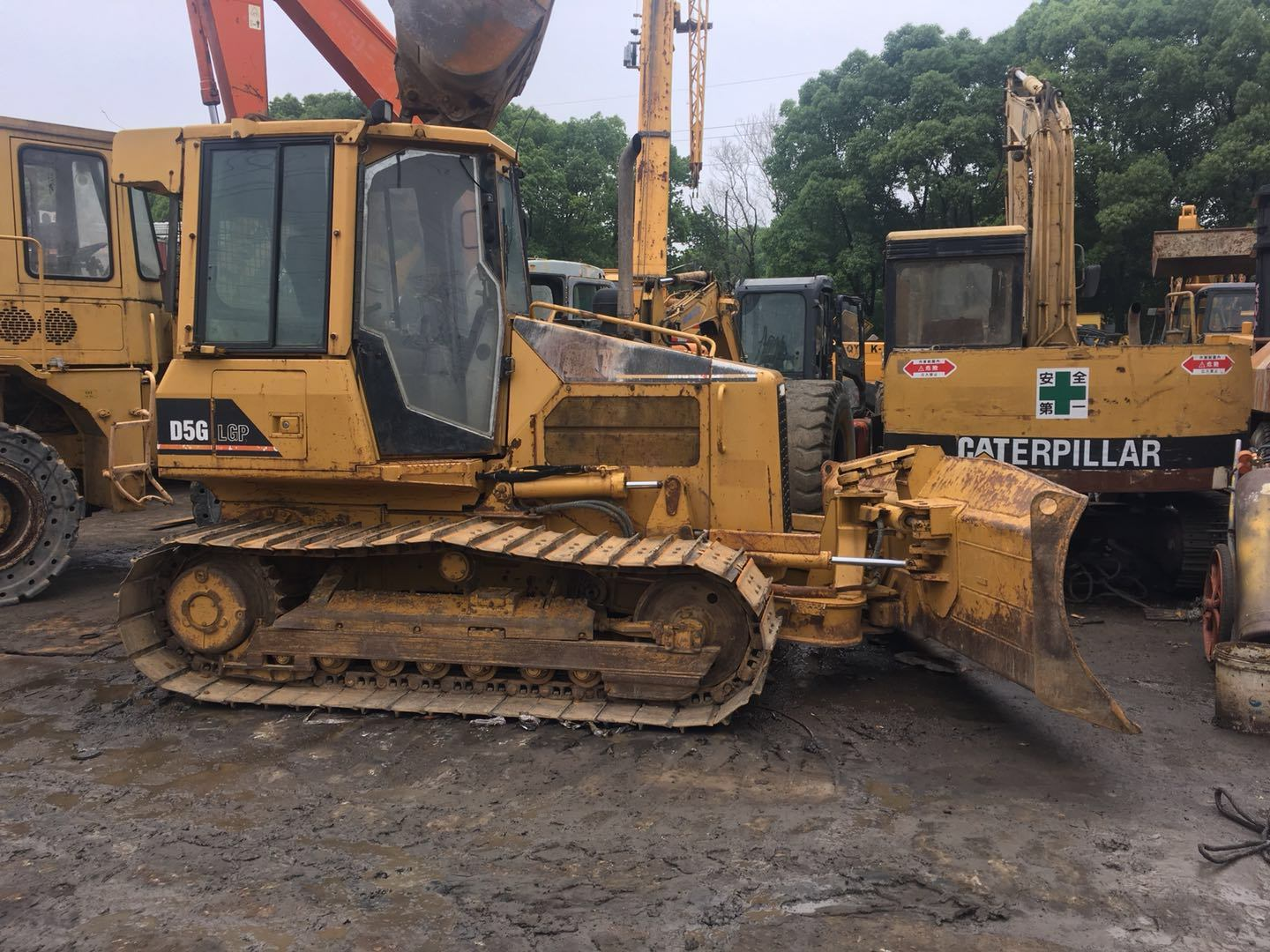 [Hot Item] New Model Used Cat Bulldozer D5g LGP 85% Undercarriage A/C  Working Old Paint