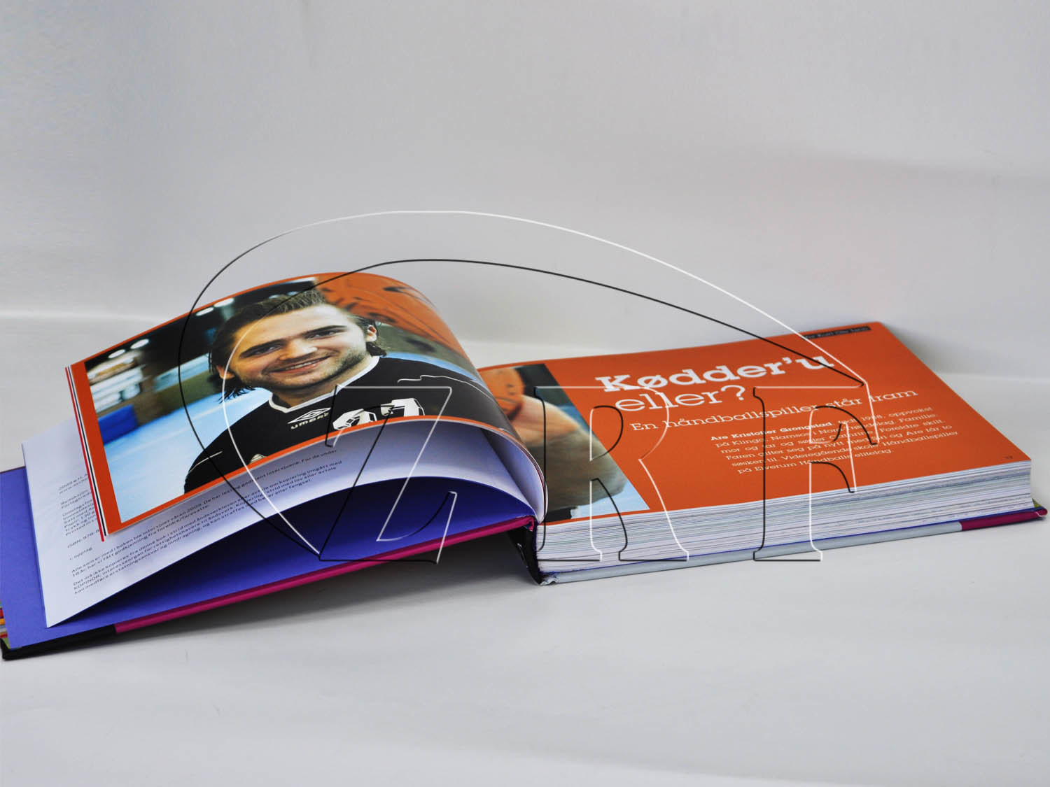 Paper Hard Cover Photo Magazine Printing Book Printing pictures & photos