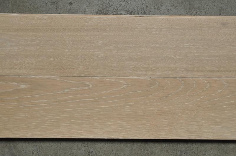 China Light Color White Wash Oak Flooring Sliced Veneer