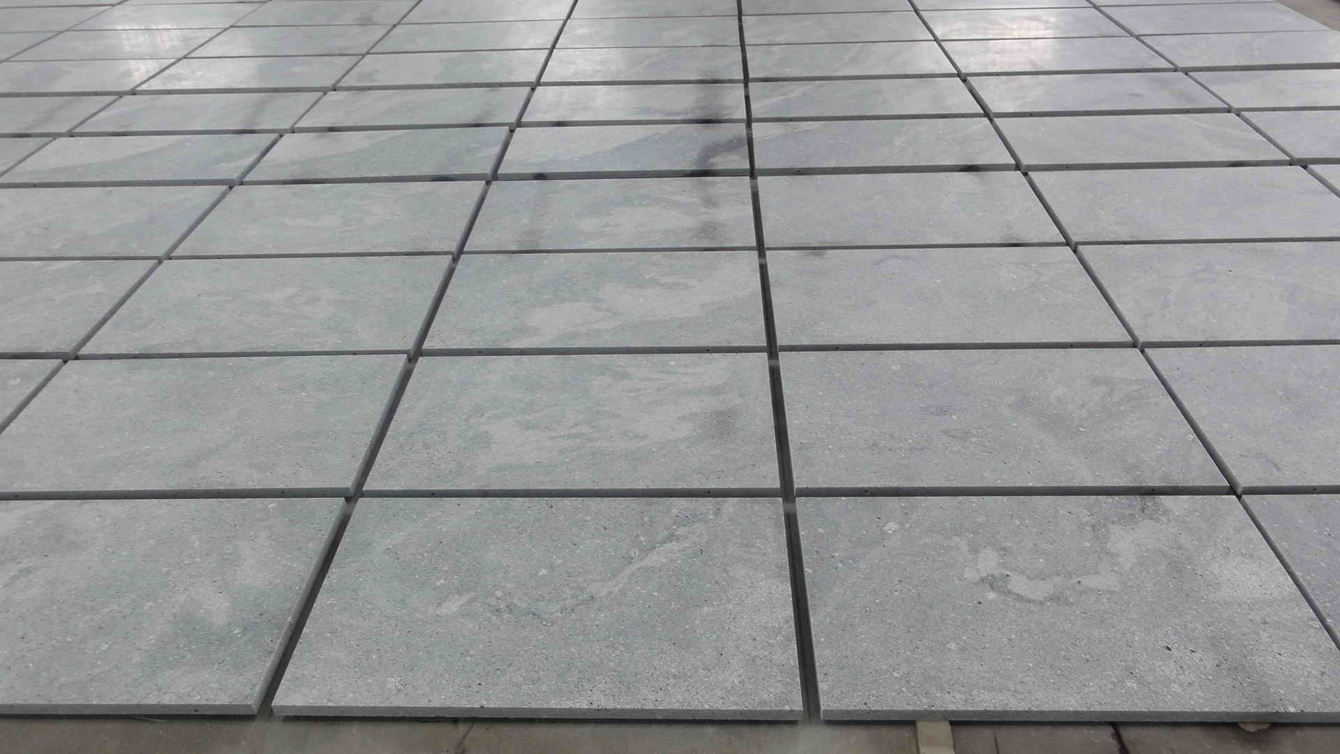 Granite & Marble Tiles for Flooring and Wall Decoration pictures & photos