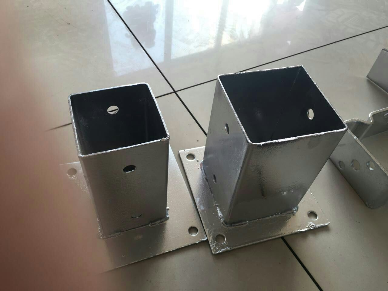 China 6x6 Post Anchor Concrete Cement Post Basepost Spike China Post Spike Pole Anchor