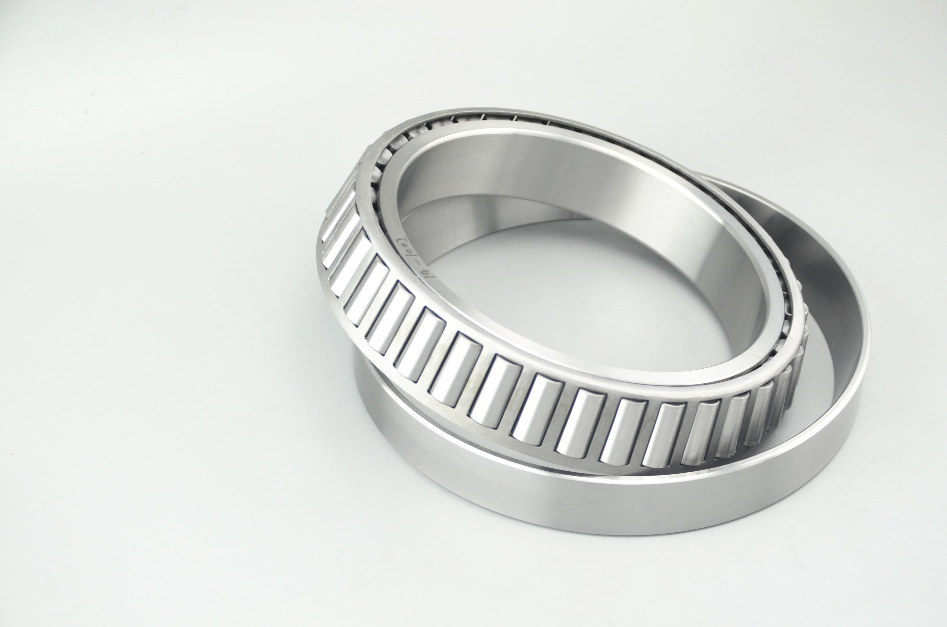 Zys Metric Inch Auto Parts 30 Series Tapered Roller Bearings for Automobile and Rolling Mill Industry