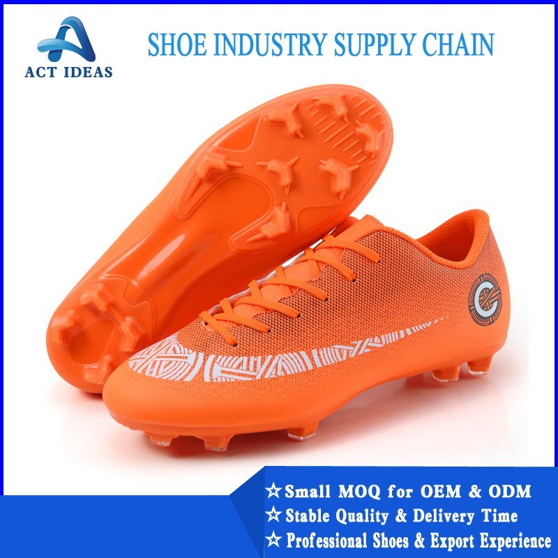 China 2020 High Quality Soccer Cleats