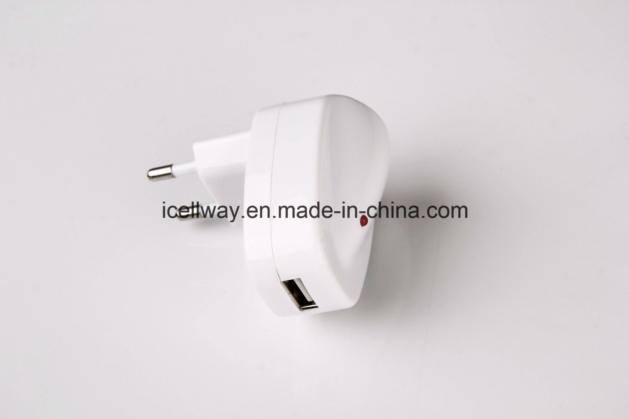 Fashion 5V 1A Universal Portable USB Travel Charger pictures & photos