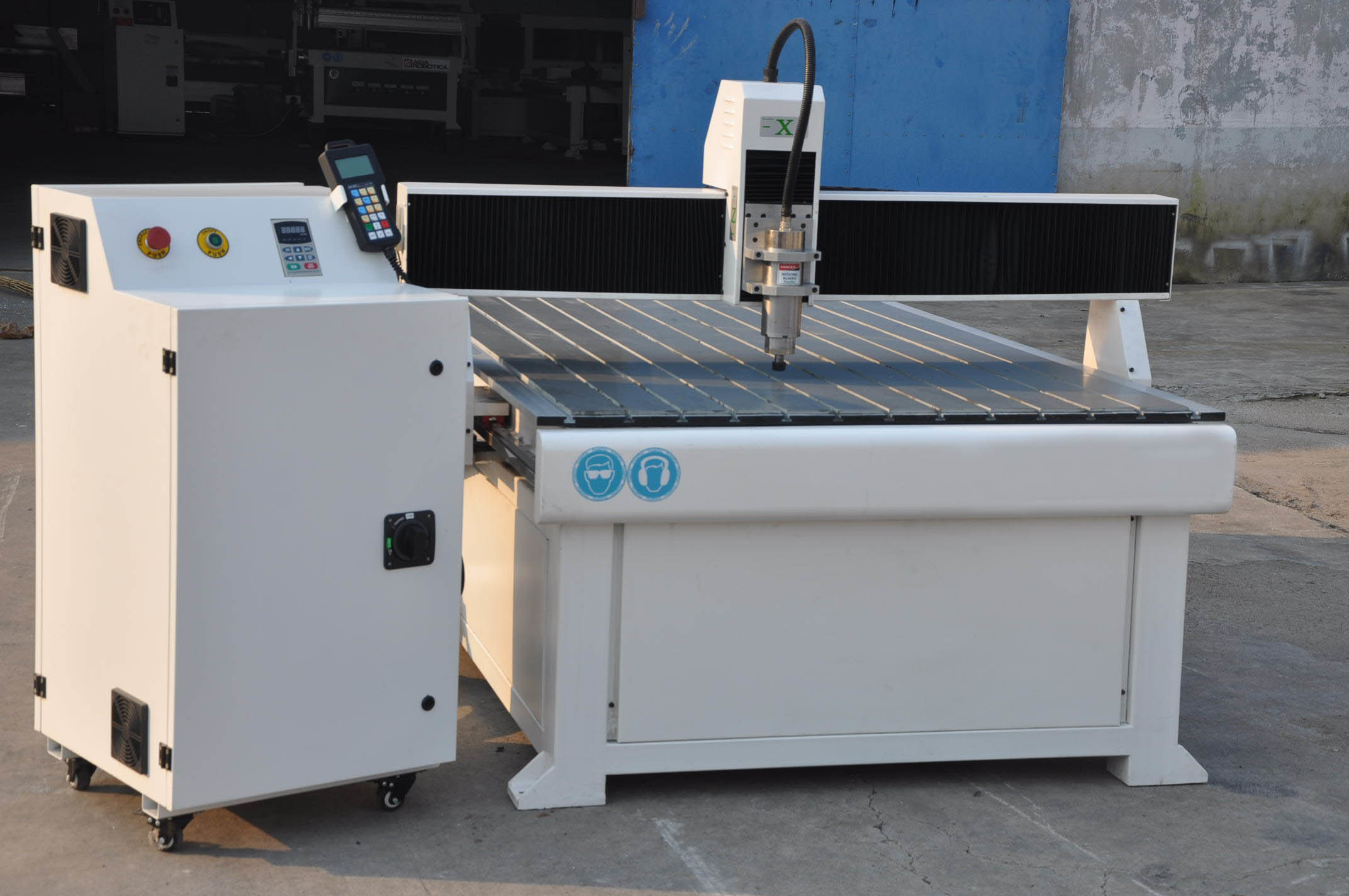 CNC Router Machine for Engraving and Cutting (XZ1224)